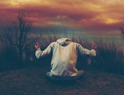 قصيدة سأعلو فوق أحزاني - كتبها : محمد علي ماهر 1