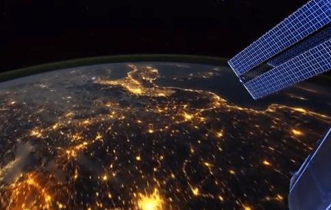 فيديو مذهل : شاهد كوكب الأرض من الفضاء الخارجي كما لو كنت تحلق فوقه مباشرة 5