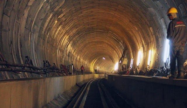 نفق مرمره أعمق نفق سكك حديدية تحت سطح البحر في العالم