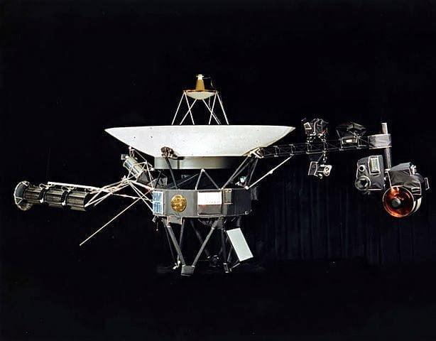 حكاية أول آلة بشرية تصل الفضاء النجمي خارج المجموعة الشمسية 11