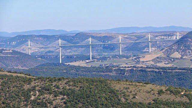 جسر ميلو : أكبر جسر في العالم