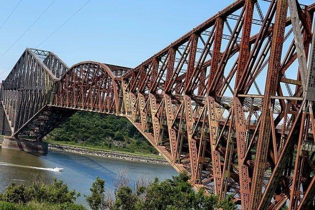 أطول جسر ذو عوارض كابولية في العالم