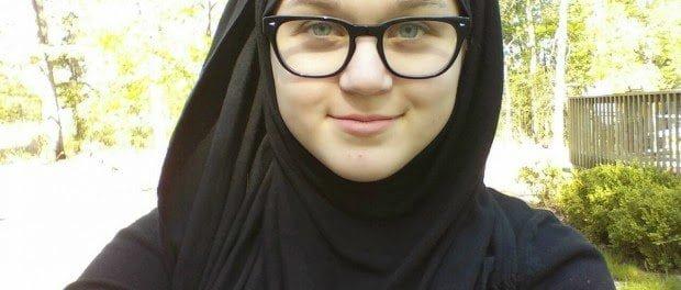 فتاة عمرها 14 عاما تحكي قصة اسلامها تقول: الاسلام أنقذ حياتي