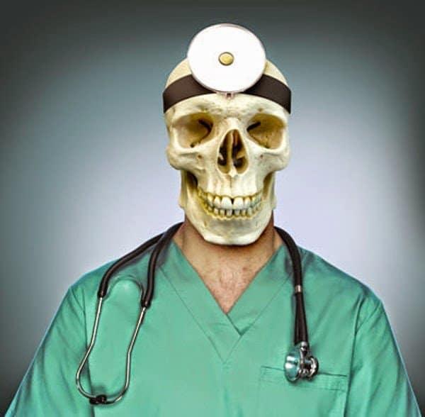 هل أنت مصاب بمتلازمة طالب الطب