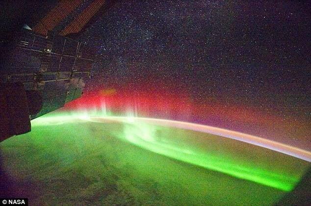 الشفق القطبي ( الاورورا ) : أجمل الظواهر الجوية 5