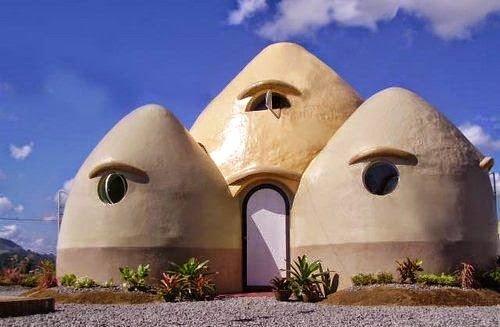 كيف تبني بيتاً رائعاً من أكياس الرمل أو الطين و الأسلاك الشائكة ! 7