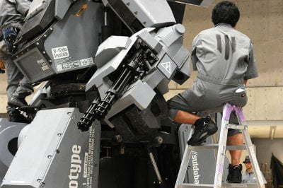 هل تبدأ الروبوتات العملاقة حرباً حقيقية بين أمريكا و اليابان  ؟ 4
