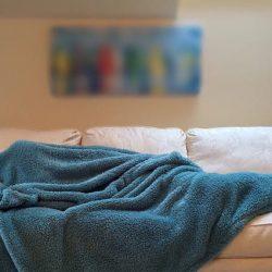 6 مشاكل صحية خطيرة قد تسببها تغطية الرأس أثناء النوم 14