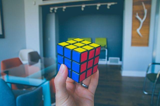 فوائد مكعب روبيك : 7 فوائد ستتعلمها من حل مكعب روبيك 4